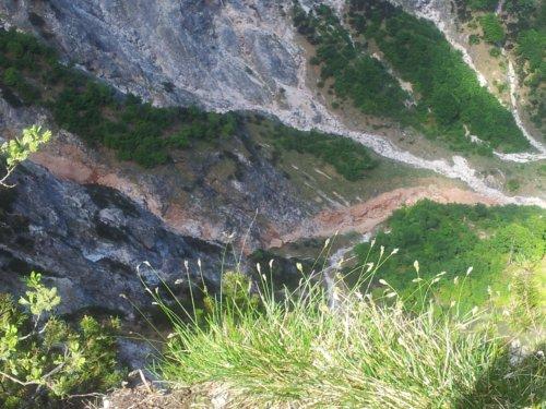 Weißbach unter Felsabbruch